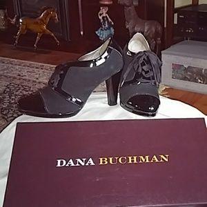 Stunning Dana Buchman shoes 7 NIB